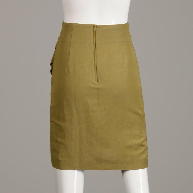 1990s Byblos Vintage Olive Green Asymmetric Ruched Stretch Linen Pencil Skirt For Sale 2