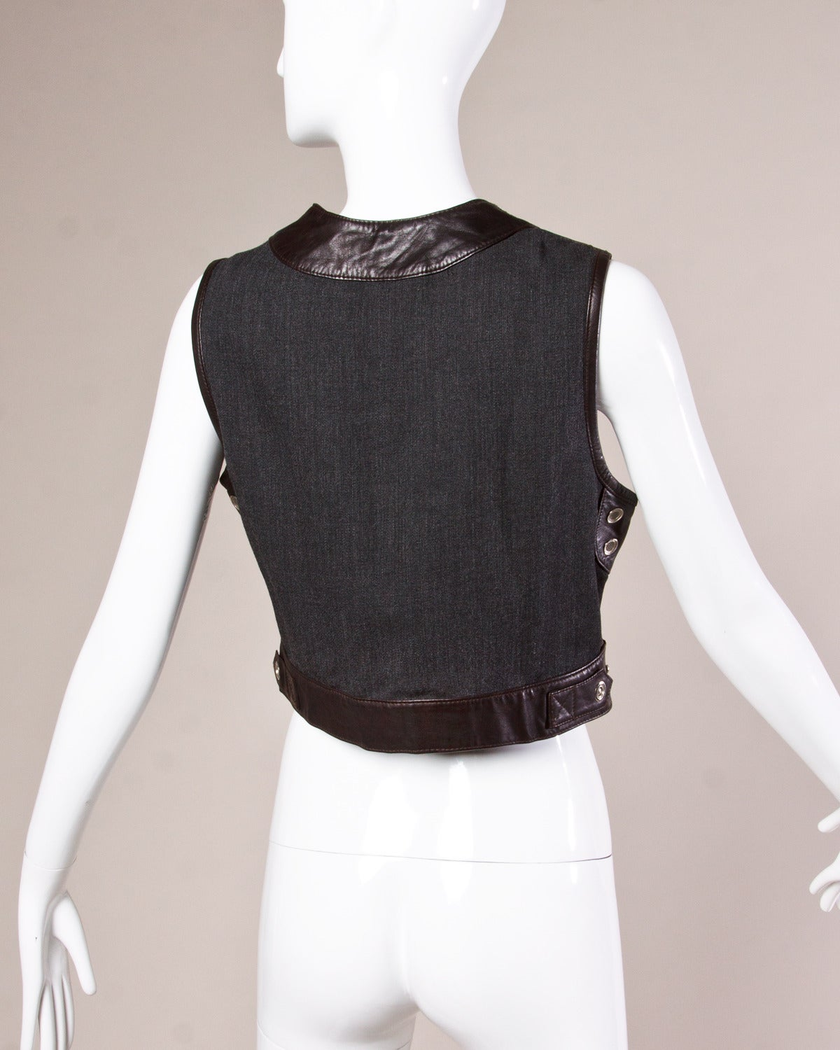 Black Emanuel Ungaro Vintage 1990s Cropped Leather Vest Top For Sale