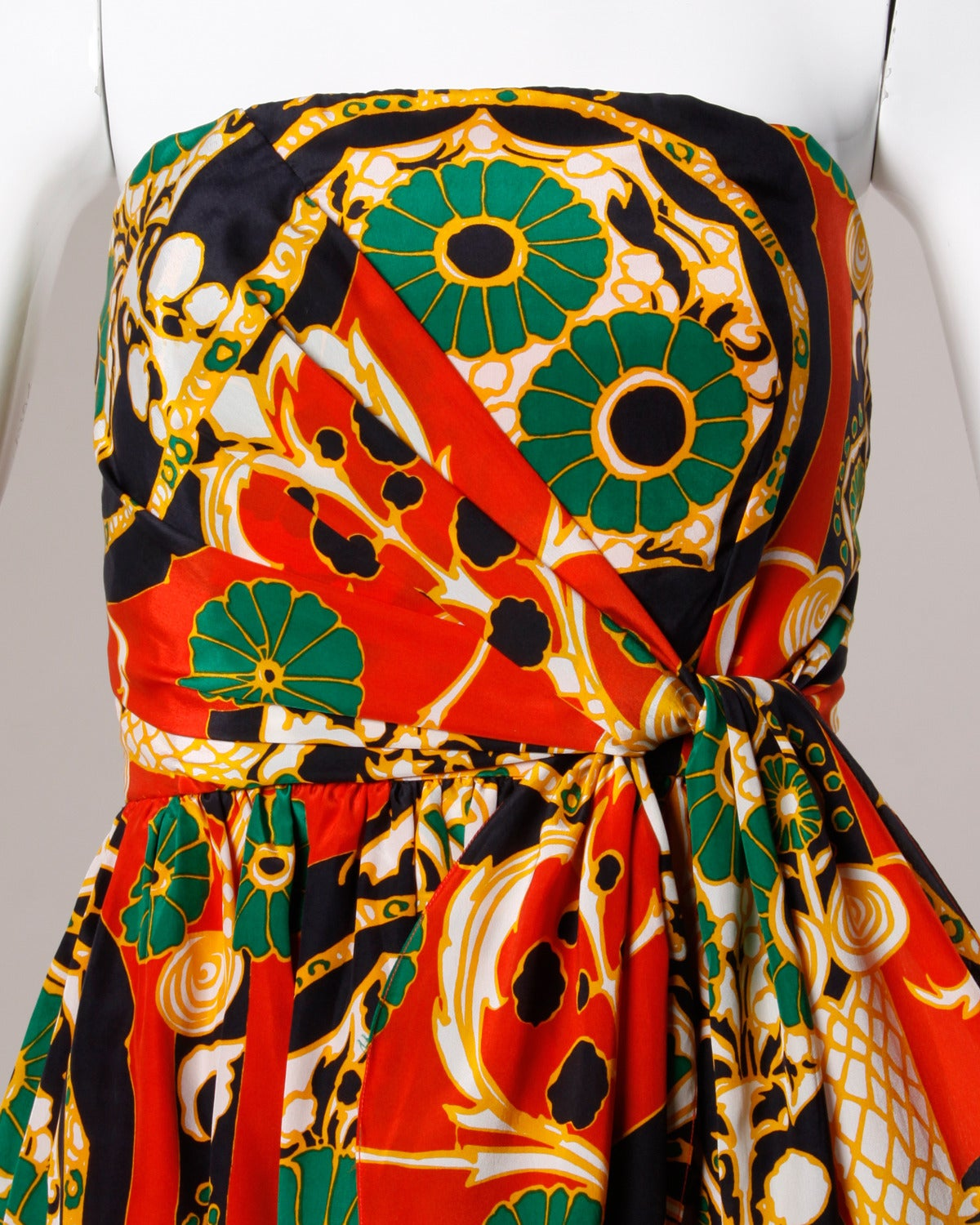 Donald Brooks Vintage 1970s Asian-Inspired Silk Print Gown + Cape Ensemble In Excellent Condition For Sale In Sparks, NV