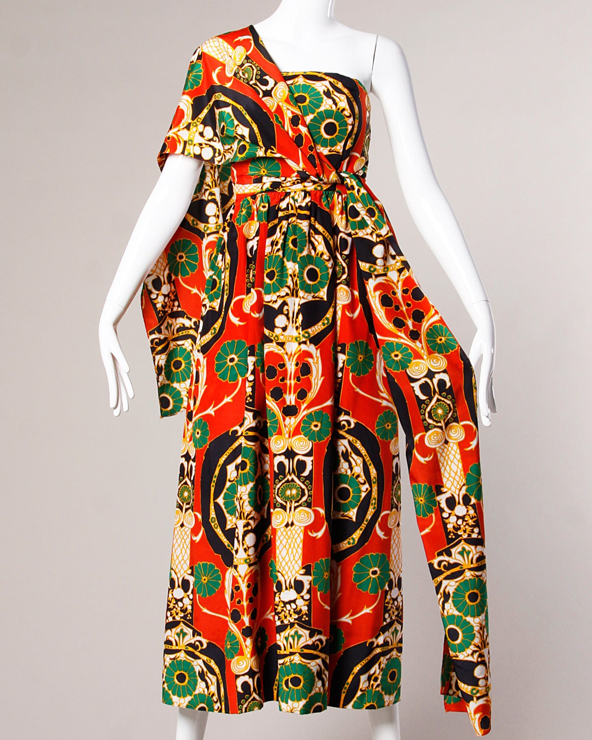 Women's Donald Brooks Vintage 1970s Asian-Inspired Silk Print Gown + Cape Ensemble For Sale