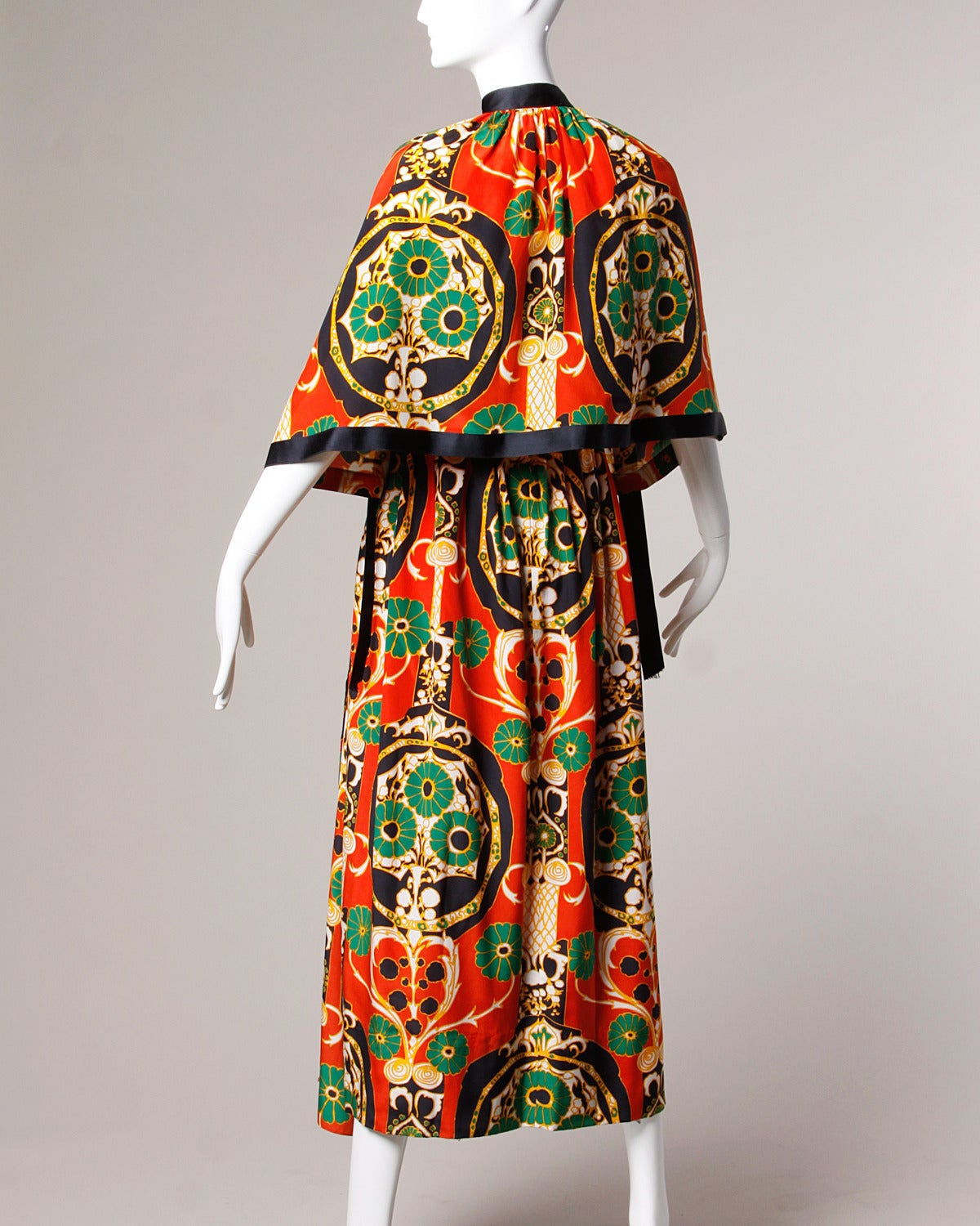 Donald Brooks Vintage 1970s Asian-Inspired Silk Print Gown + Cape Ensemble For Sale 1