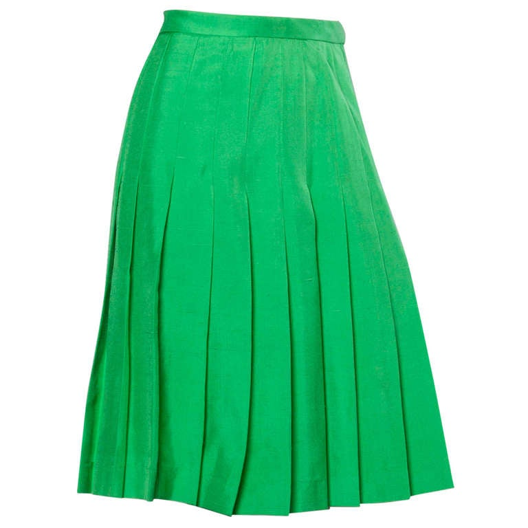 Amen Wardy Vintage Kelly Green Raw Silk Pleated Skirt