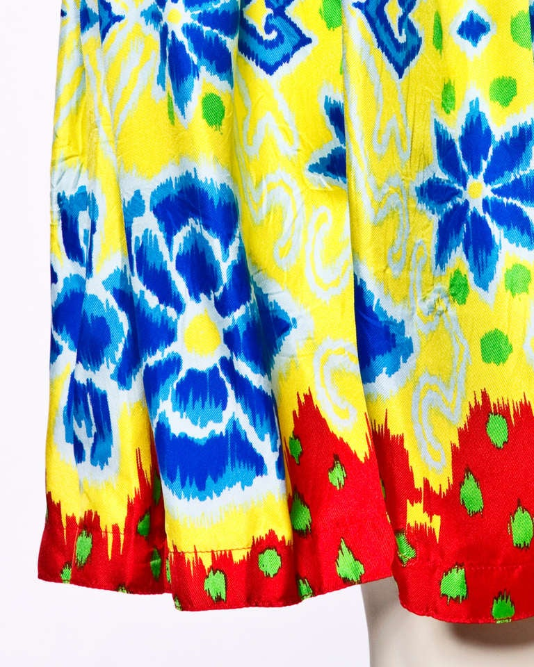 Women's Vintage Gianni Versace 1990s 90s Silk Floral Paisley Scarf Print Skirt For Sale