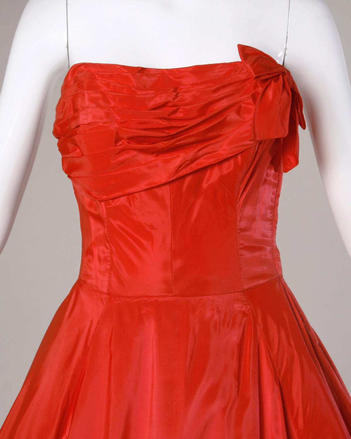 1950s Vintage Red Taffeta Full Sweep Party Dress with Bubble Hem 2