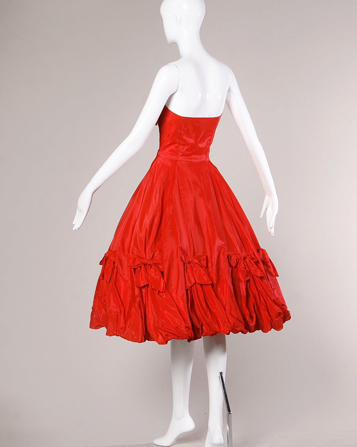 1950s Vintage Red Taffeta Full Sweep Party Dress with Bubble Hem 3