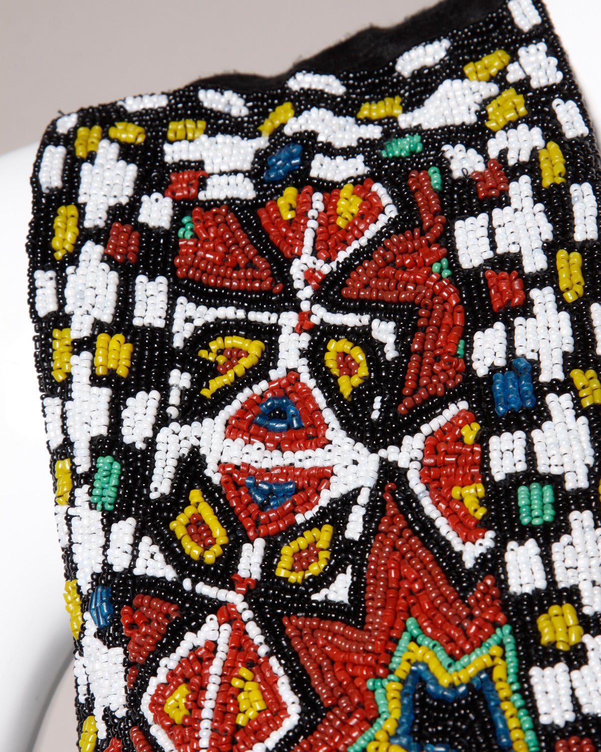 Hand-Made Heavy Vintage Native American Seed Beaded Vest For Sale 4