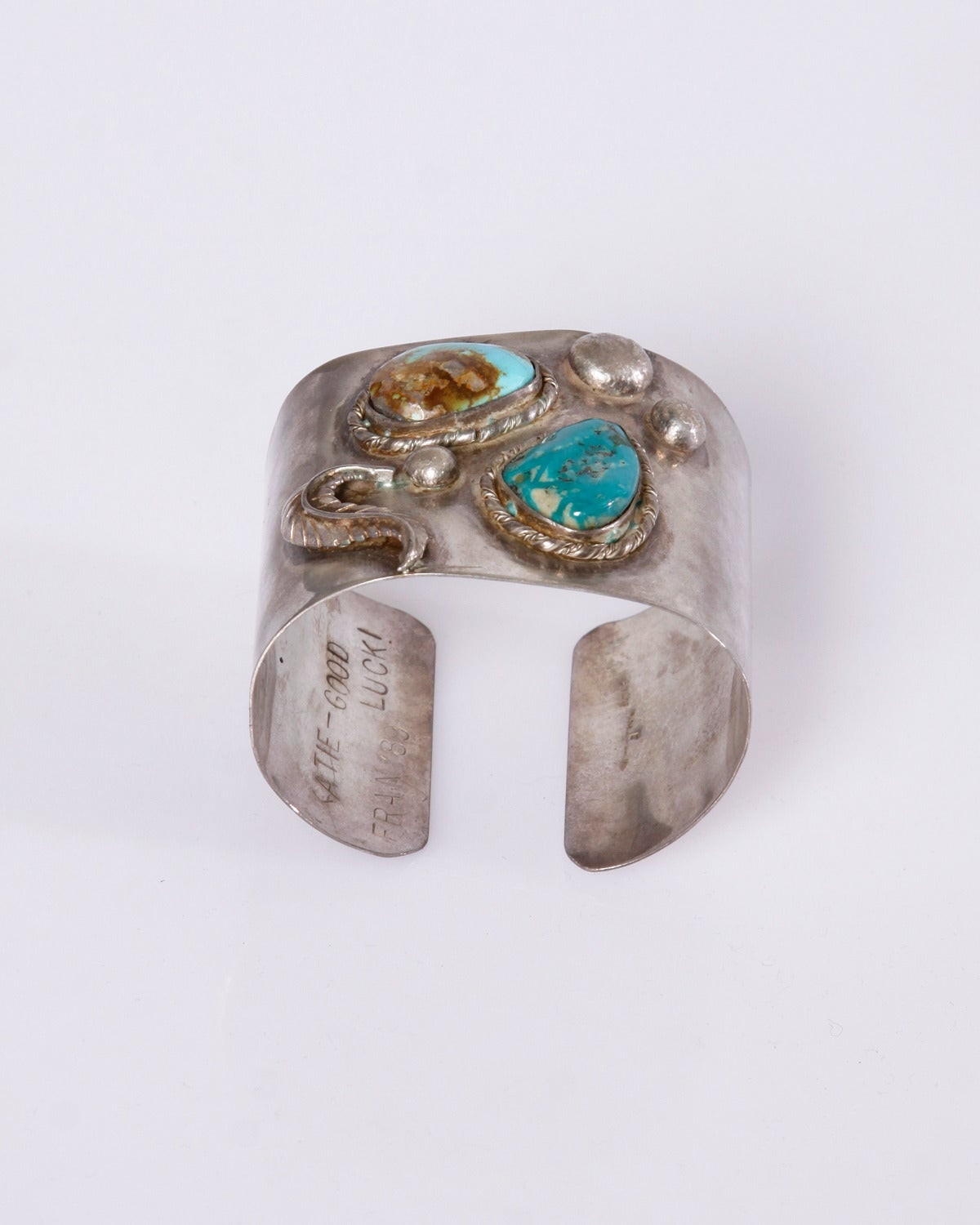 Native American Vintage 1970s Sterling Silver Turquoise Cuff Bracelet For Sale 2