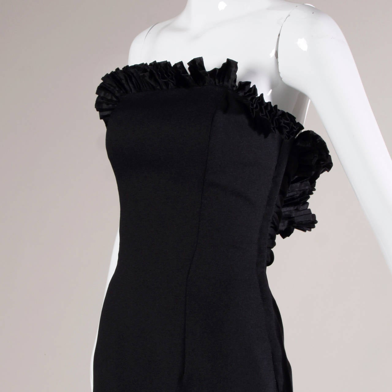 Women's Victor Costa Vintage Black Origami Pleated Avant Garde Strapless Dress For Sale