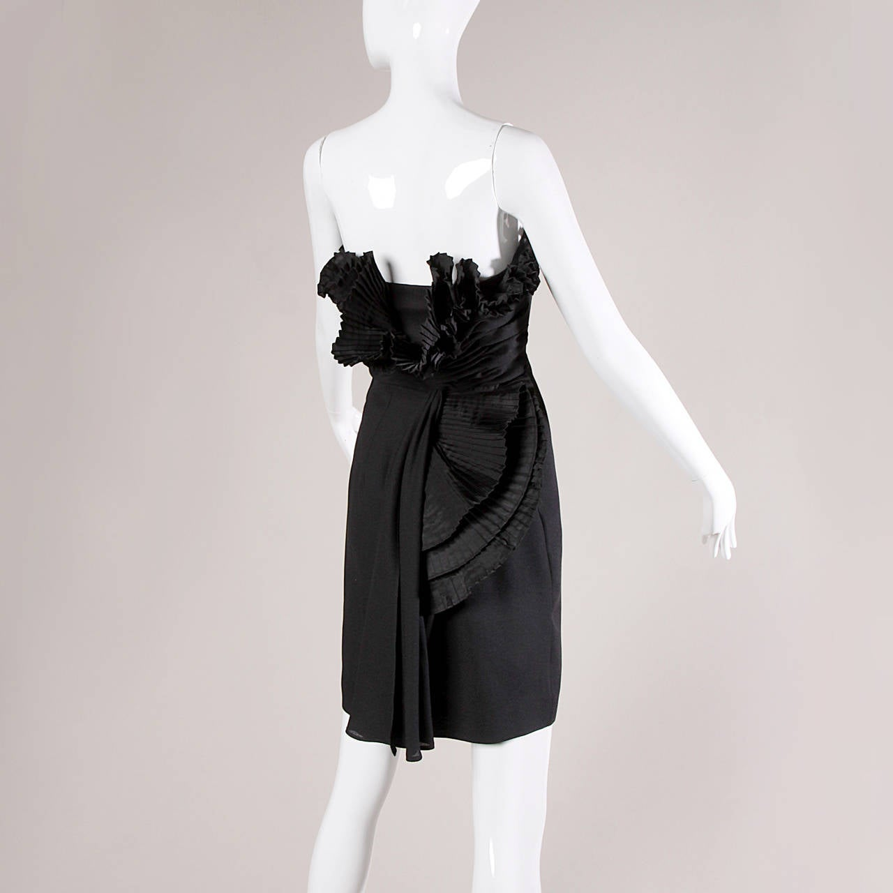 Victor Costa Vintage Black Origami Pleated Avant Garde Strapless Dress In Excellent Condition For Sale In Sparks, NV