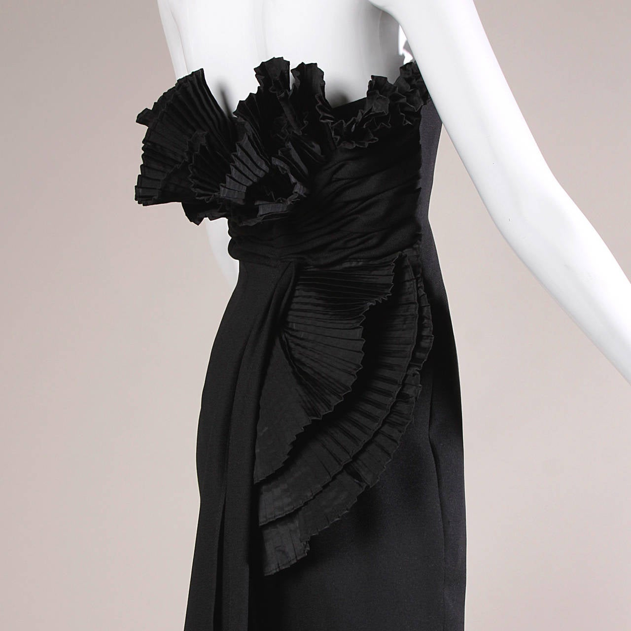 Victor Costa Vintage Black Origami Pleated Avant Garde Strapless Dress For Sale 1