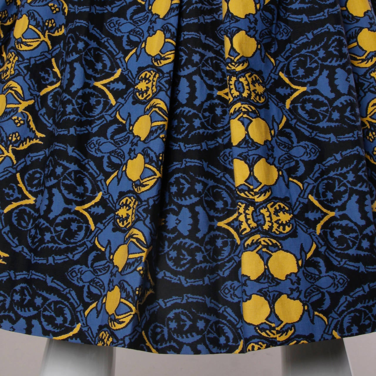 1950s Vintage French Custom Provincial Printed Cotton Dress 4