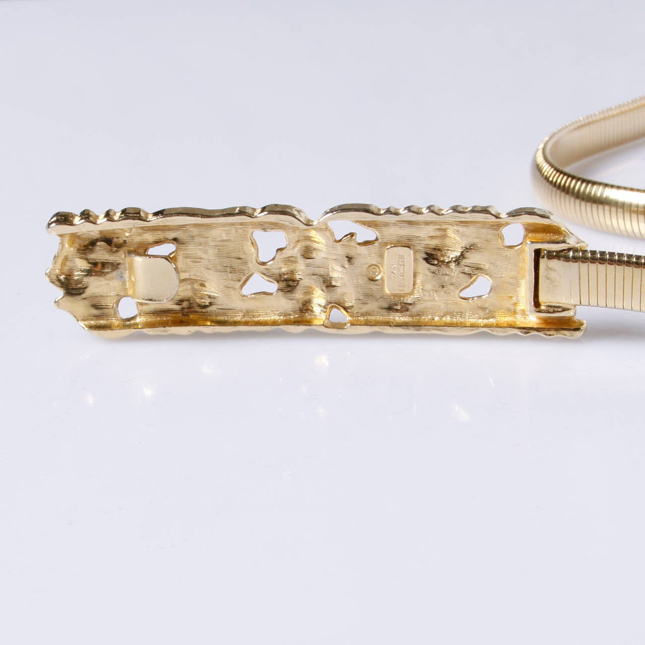 Accessocraft Vintage 1970s Gold Snake Chain Stretch Belt For Sale 3