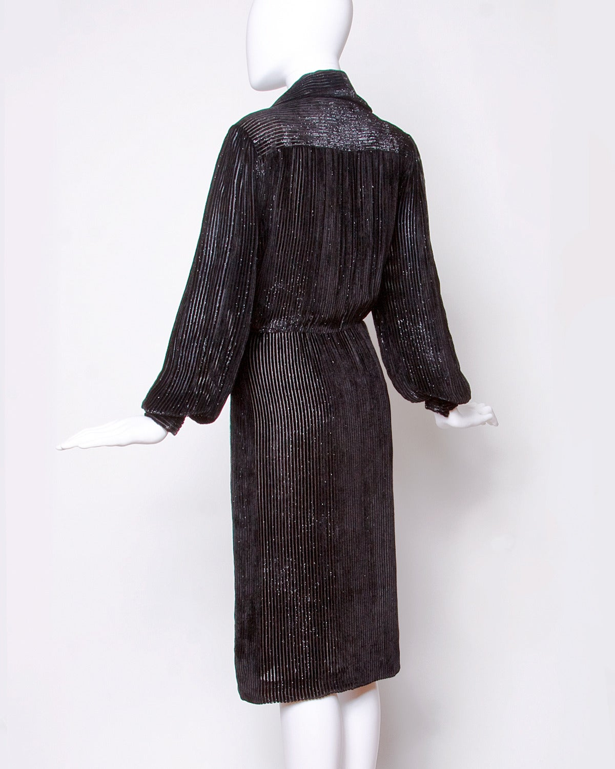 Travilla for I. Magnin Vintage Black Silk Velvet Cocktail Dress In Excellent Condition For Sale In Sparks, NV