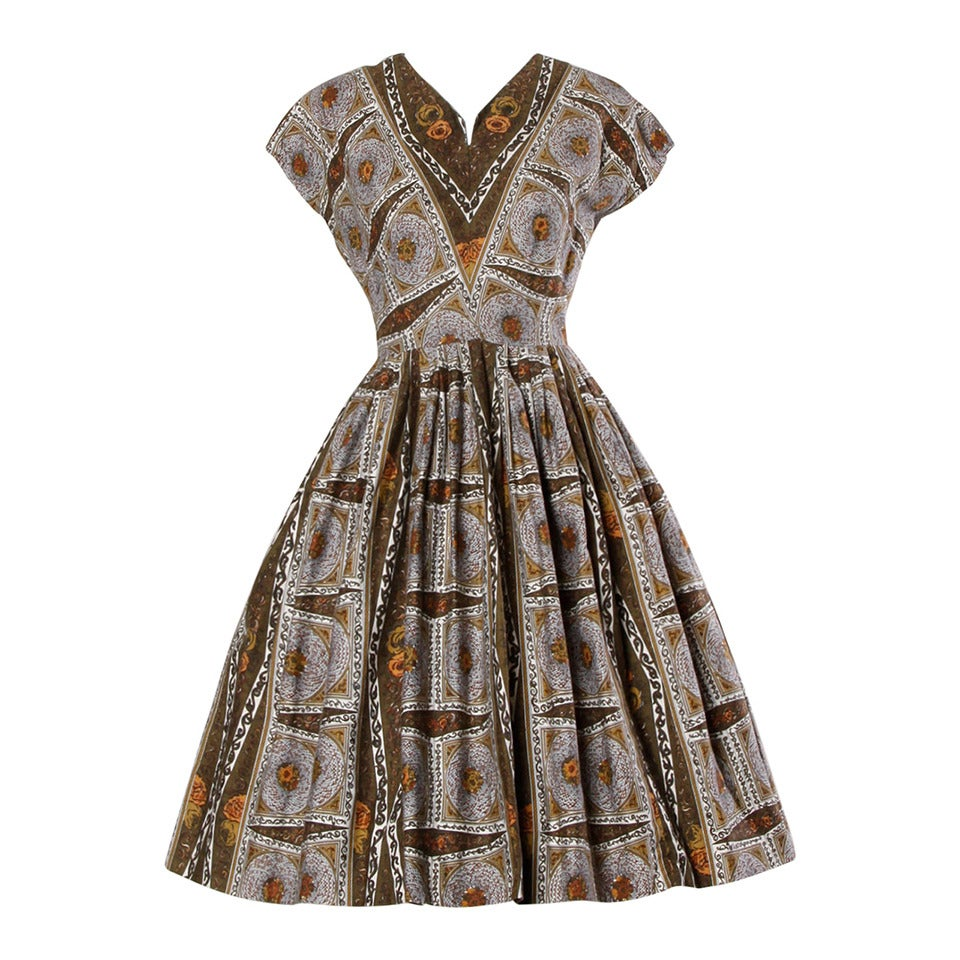 1950s Vintage Screen Print Cotton Patio Dress with a Full Sweep For Sale