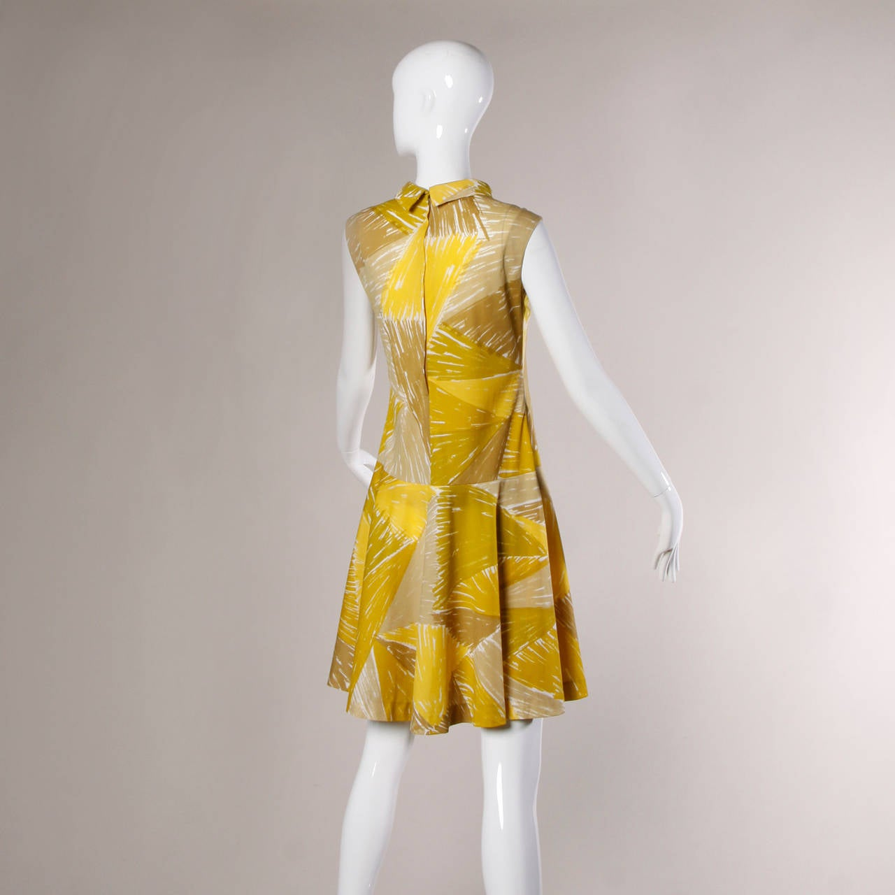 Vera Neumann Vintage 1960s Yellow Mod Painterly Print Mini Dress In Excellent Condition For Sale In Sparks, NV