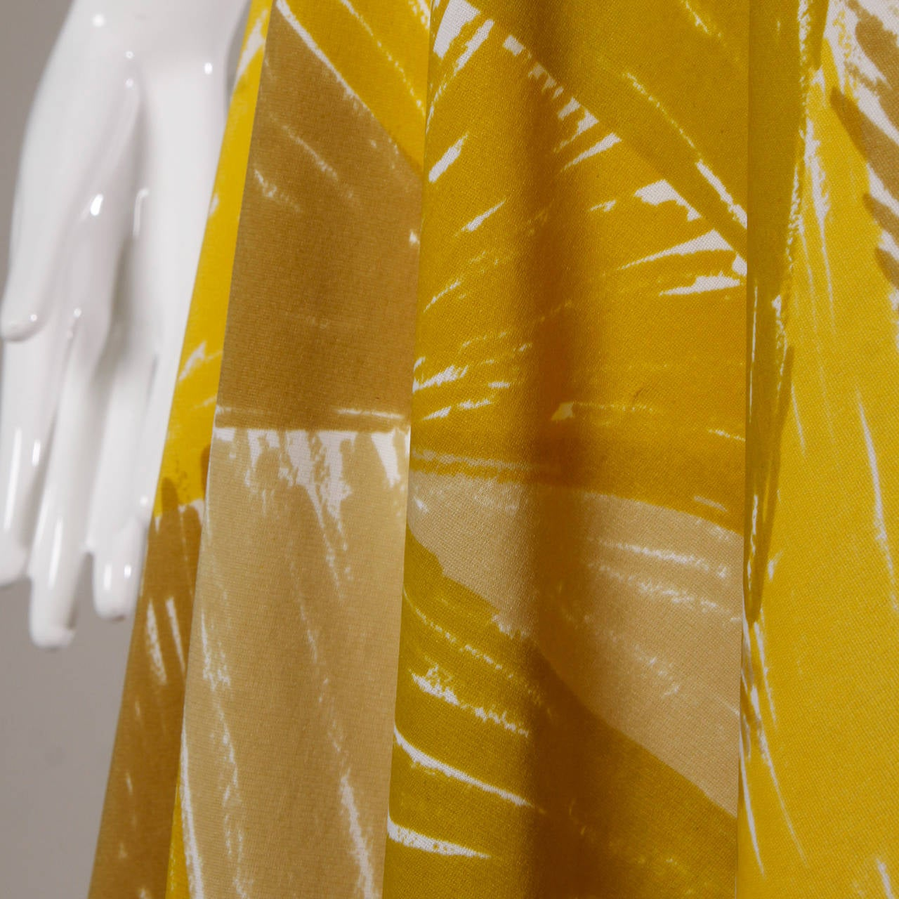 Women's Vera Neumann Vintage 1960s Yellow Mod Painterly Print Mini Dress For Sale