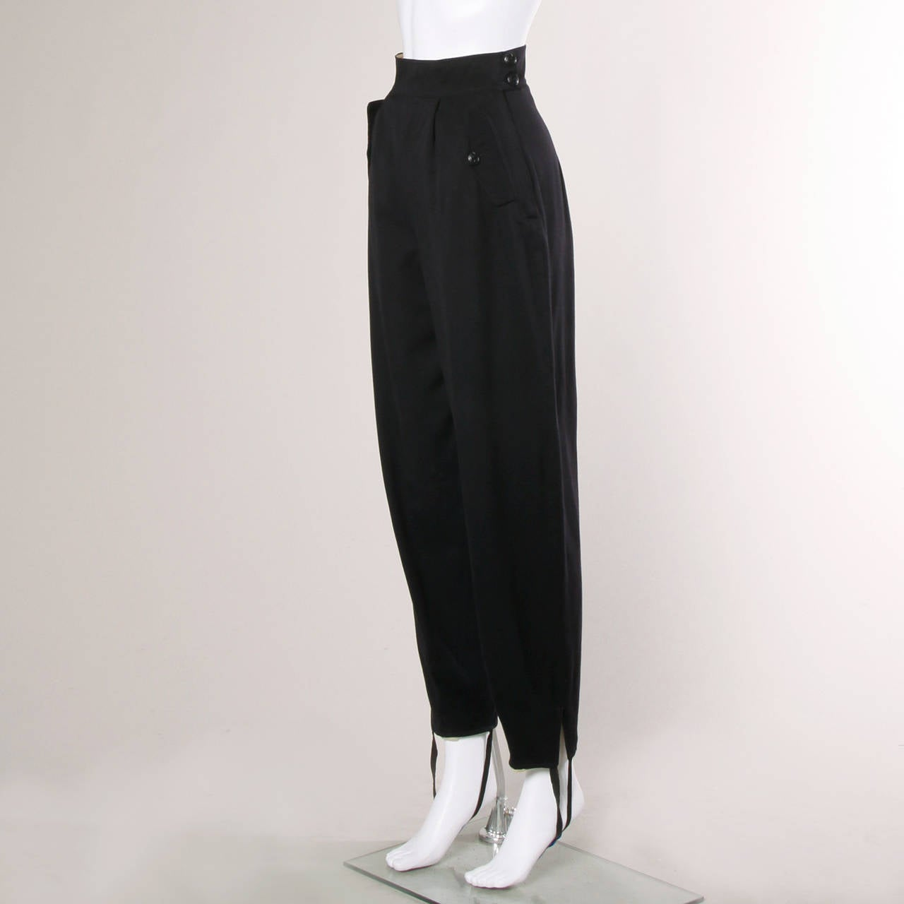 1940s Vintage Navy Blue Wool High Waisted Riding Pants with Stirrups 2