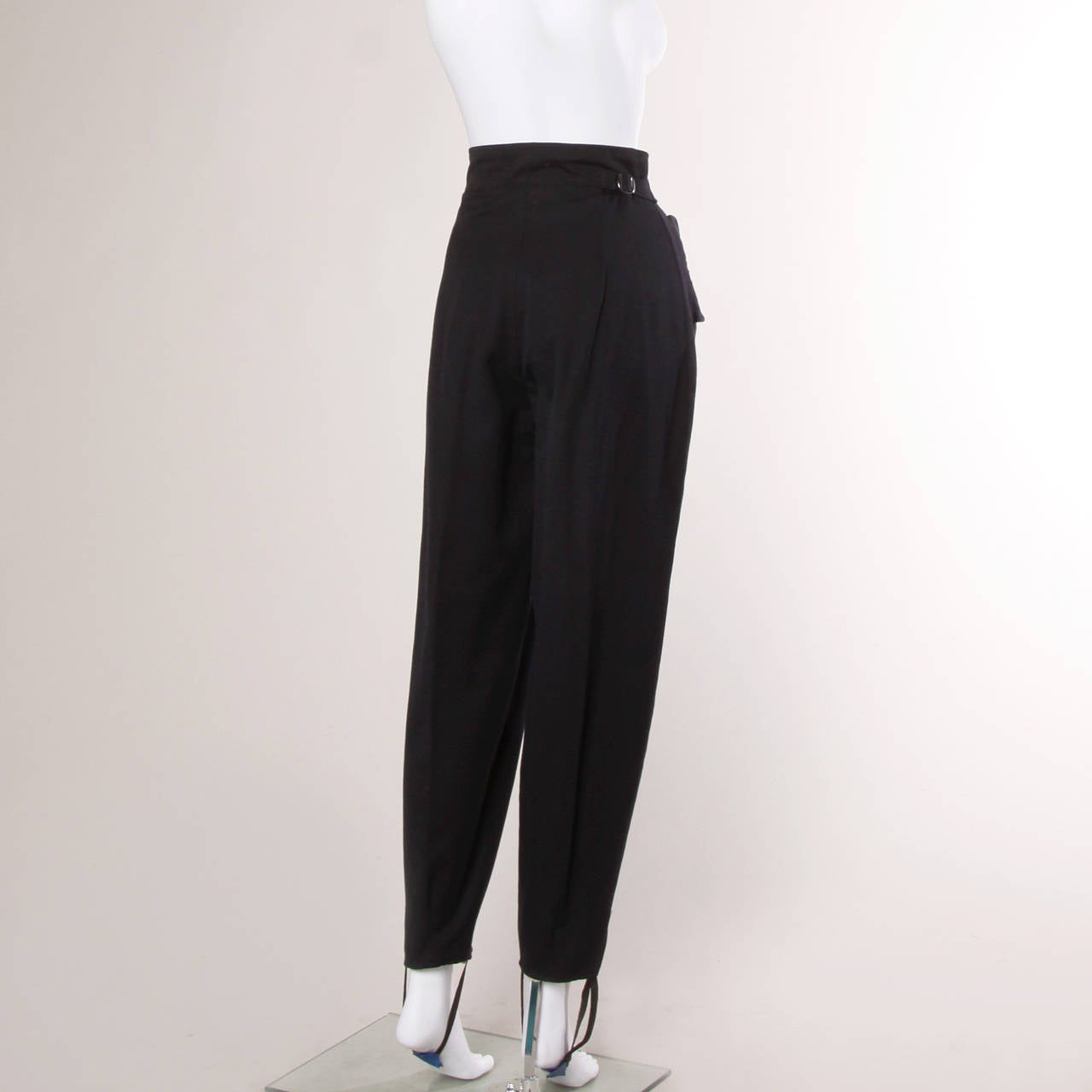 1940s Vintage Navy Blue Wool High Waisted Riding Pants with Stirrups 5