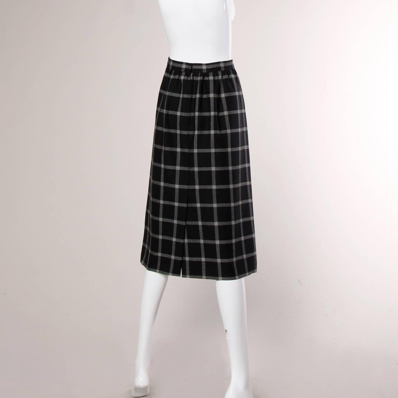 Women's Koos Van Der Akker Vintage Black + White Plaid Wool Skirt For Sale