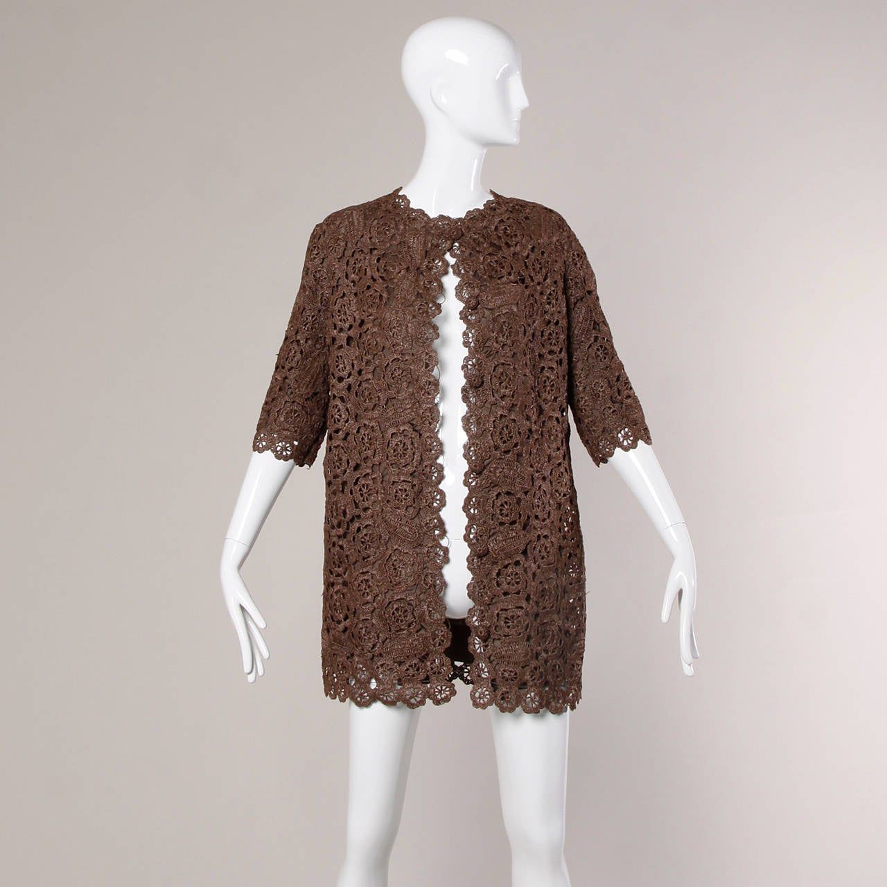 1960s Brown Scalloped Hand Crochet Raffia Lace Jacket or Coat For Sale 2