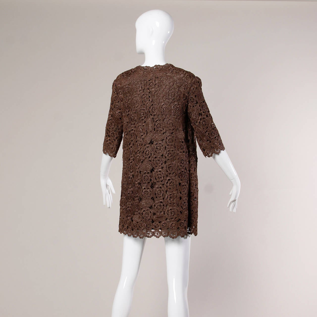 1960s Brown Scalloped Hand Crochet Raffia Lace Jacket or Coat For Sale 3
