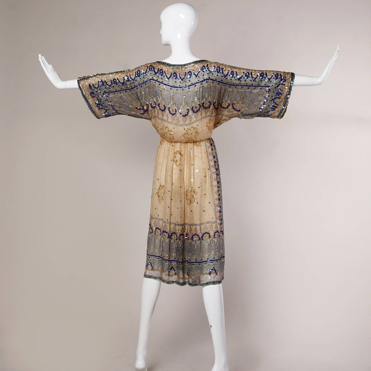 Judith Ann for Bullock's Wilshire Vintage 1970s Silk India Print Dress 6