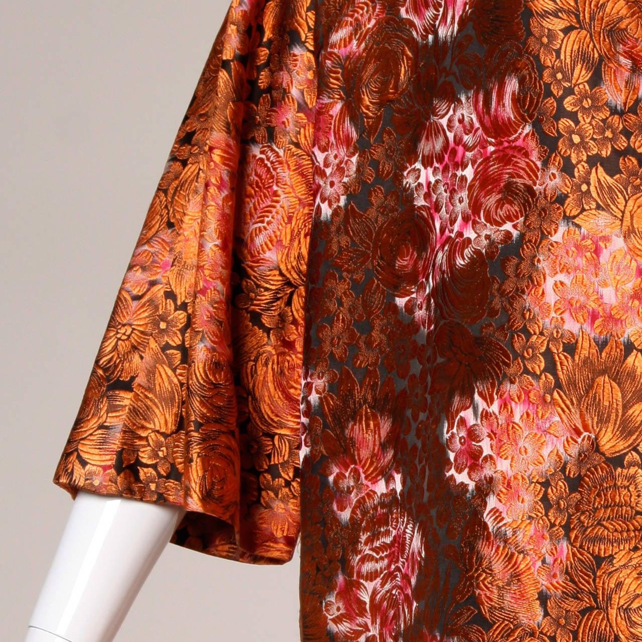 1960s Vintage Japanese Silk Kimono Coat or Robe 5