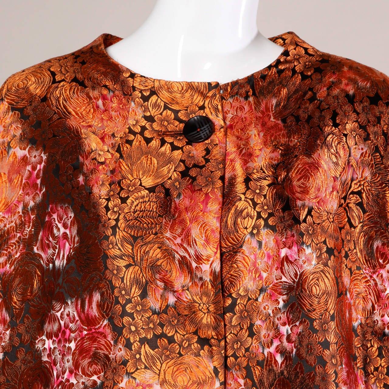 1960s Vintage Japanese Silk Kimono Coat or Robe 4