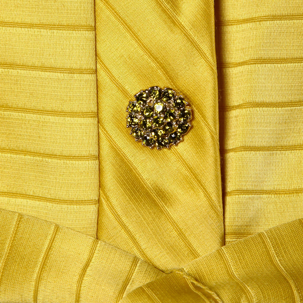 Women's Darling 1960s Vintage Yellow Mini Dress with Rhinestone Buttons For Sale