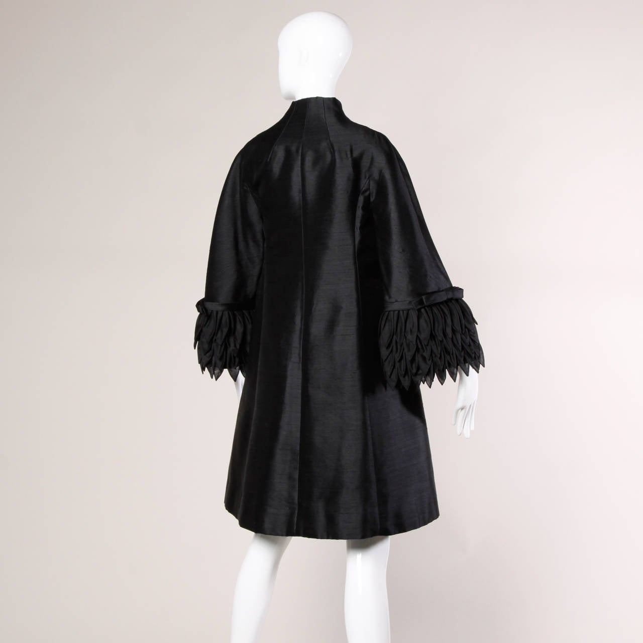 1960s Vinchi Vintage Italian Couture Sculptural Silk Petal Swing Coat In Excellent Condition For Sale In Sparks, NV