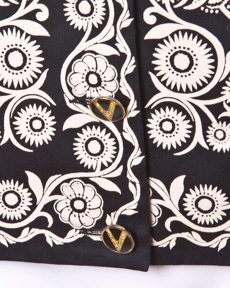 Gianni Versace Vintage 1990s 90s Black + Beige Scarf Print Short-Sleeve Jacket 5