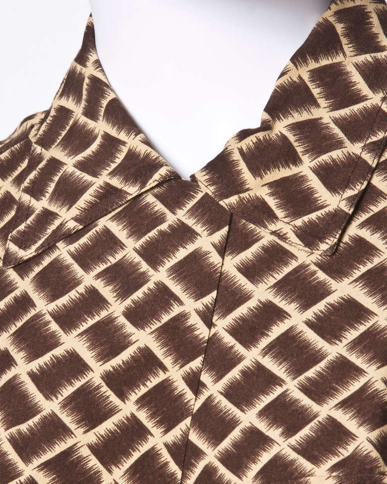 Women's Norma Kamali Omo 1990s 90s Vintage Geometric Print Dolman Dress + Belt For Sale