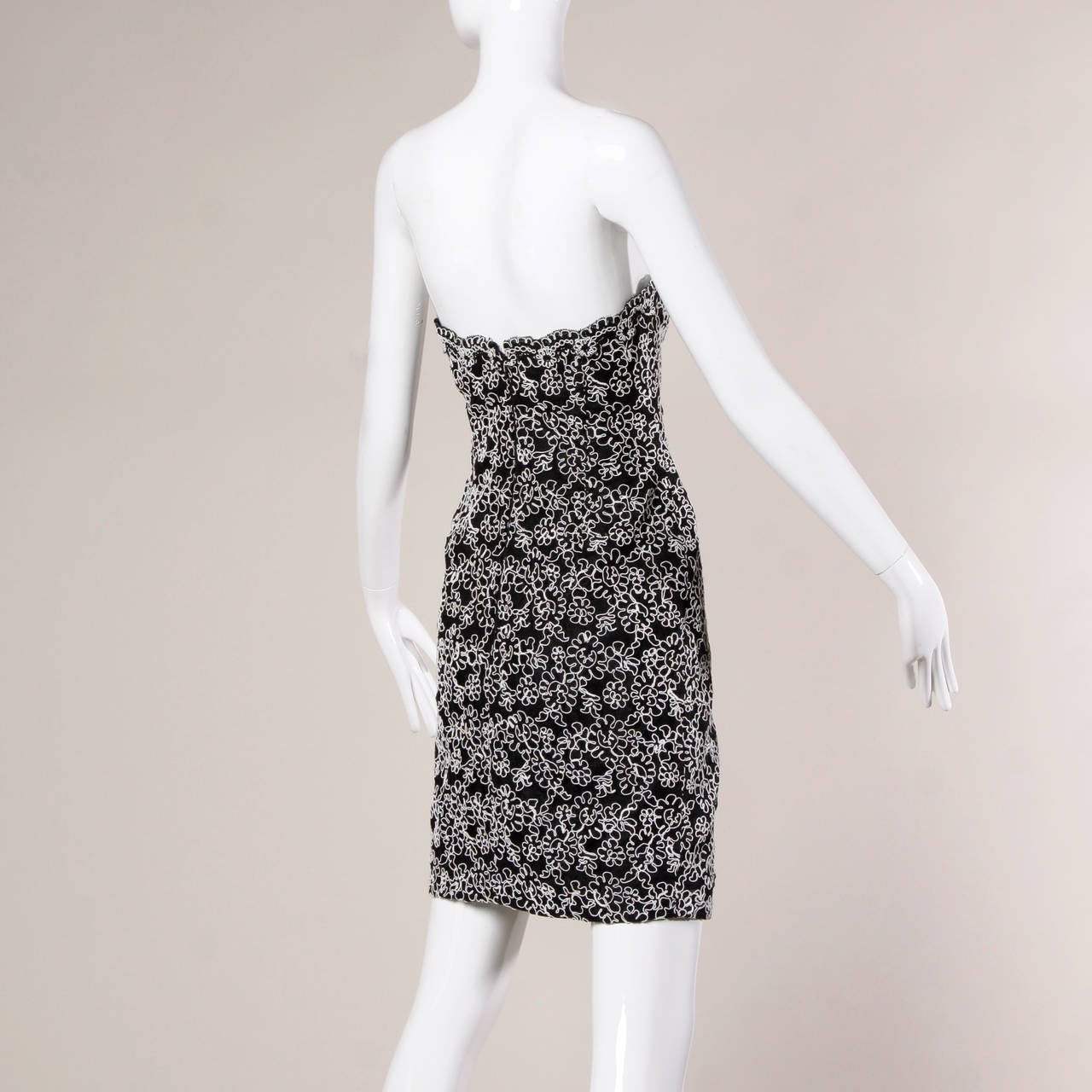 Bill Blass Vintage Black + White Lace Strapless Cocktail Dress For Sale 1