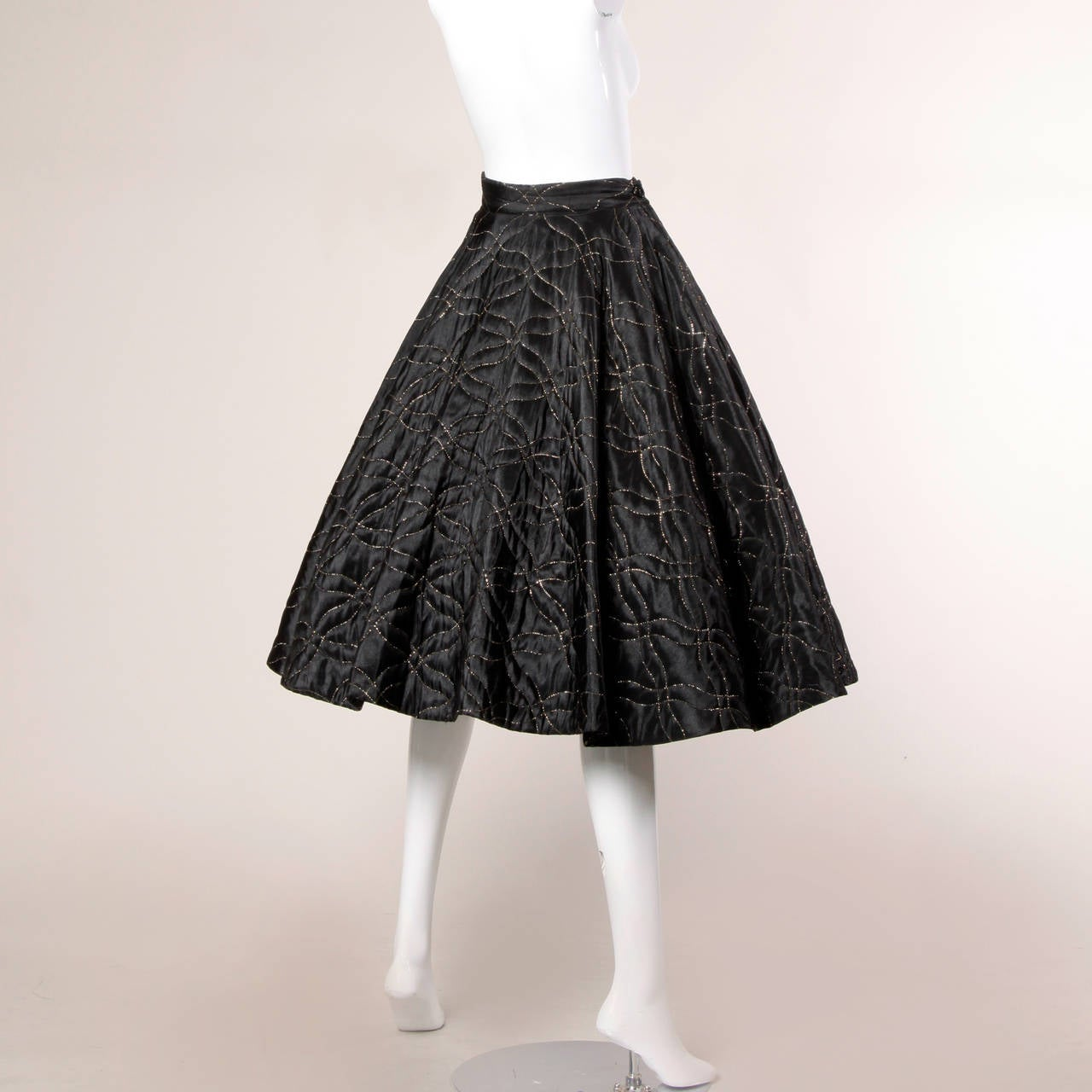 1950s Vintage Metallic Gold Quilted Circle Skirt with a Full Sweep 4