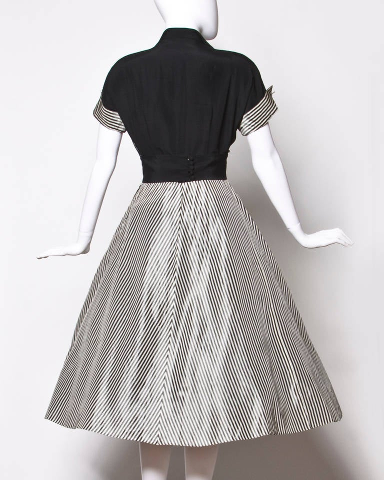 Vintage 1940s 40s Black + White Striped Taffeta Full Sweep Party Dress In Excellent Condition For Sale In Sparks, NV