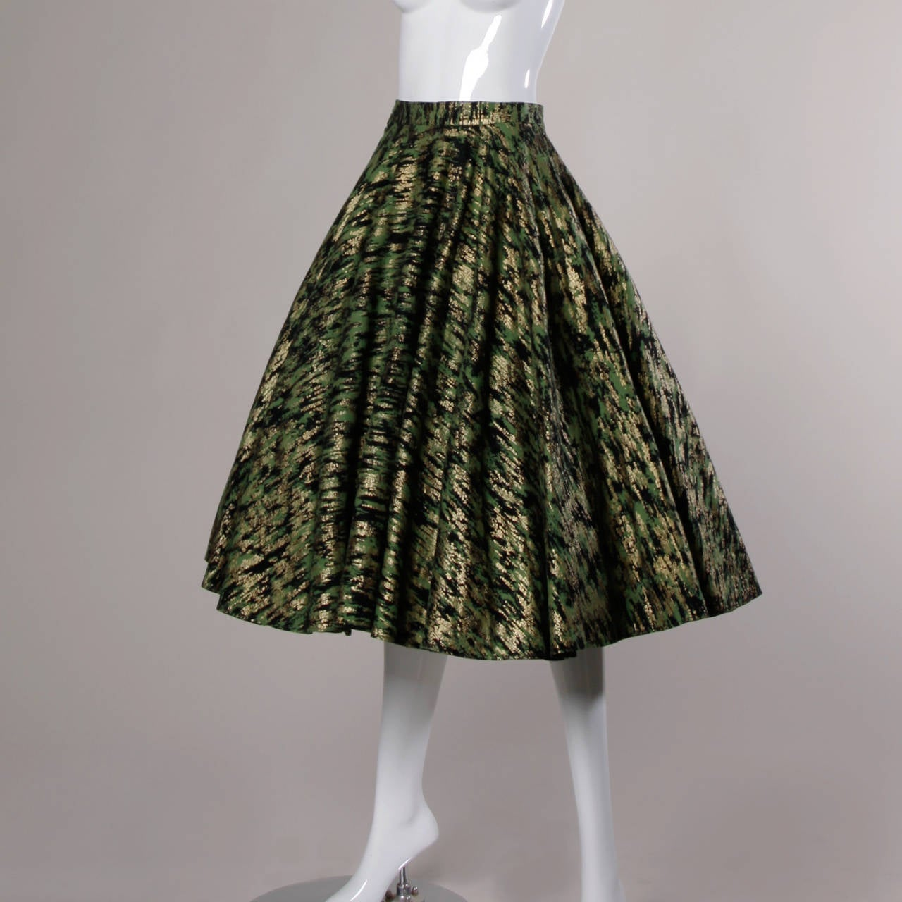 1950s Vintage Metallic Gold + Green Hand Screenprint Swing Skirt 5