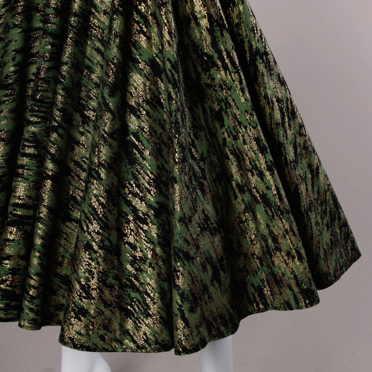 1950s Vintage Metallic Gold + Green Hand Screenprint Swing Skirt 2