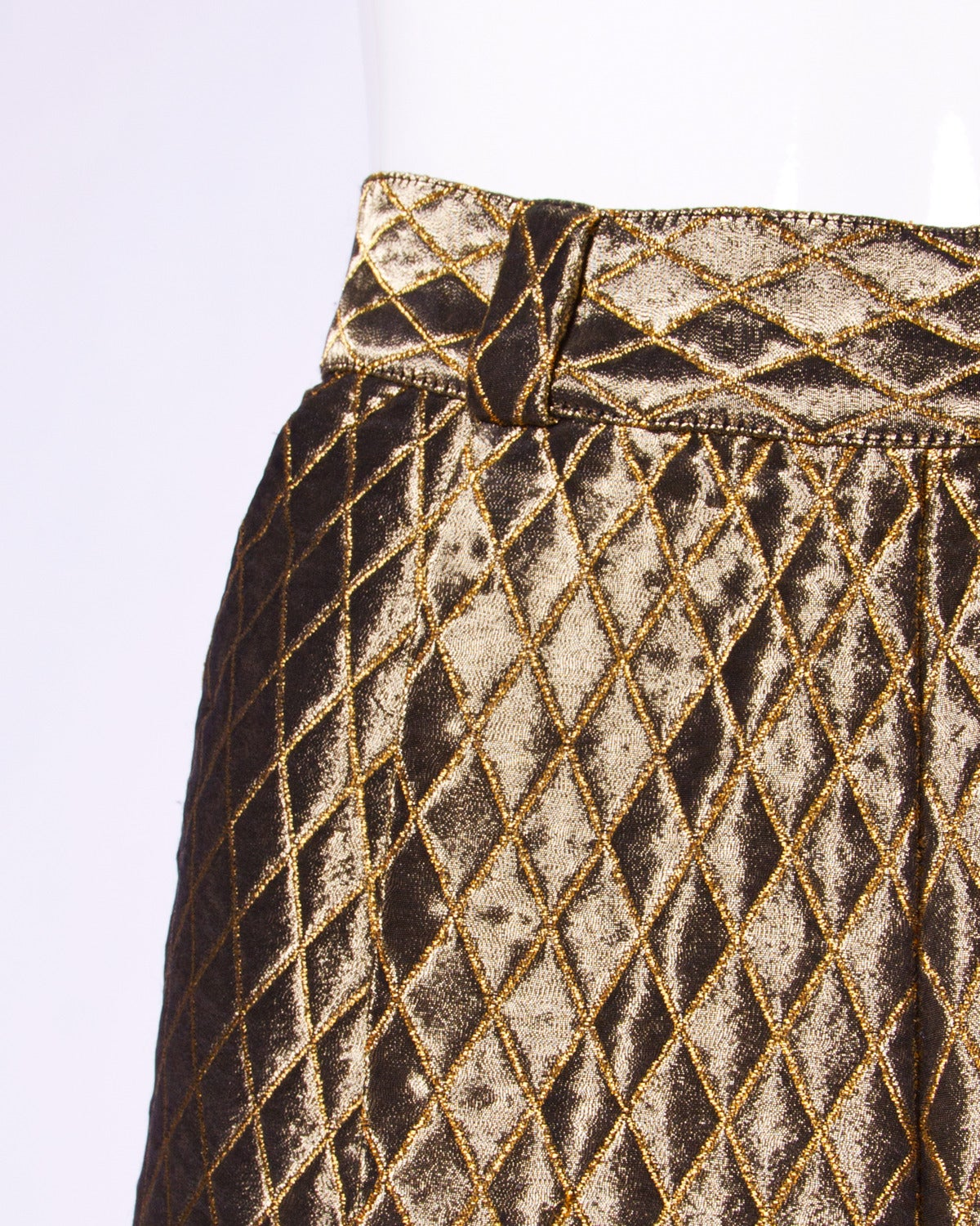 a7074689b6b84 Gianni Versace Couture Vintage Metallic Gold Quilted High Waisted Pants In  Excellent Condition For Sale In
