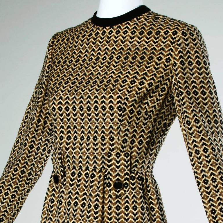 Women's Adele Simpson Vintage 1960s Geometric Wool Dress + Scarf Set 2-Piece Ensemble For Sale