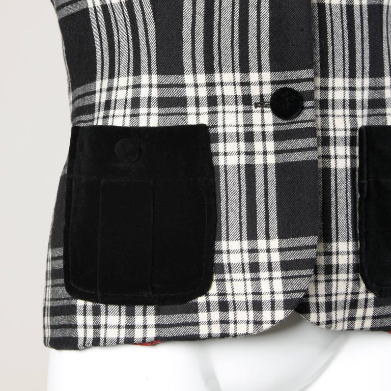 Moschino Vintage Black + White Wool Plaid Blazer Jacket For Sale 1