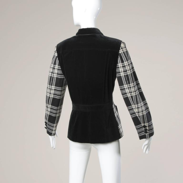 Moschino Vintage Black + White Wool Plaid Blazer Jacket In Excellent Condition For Sale In Sparks, NV