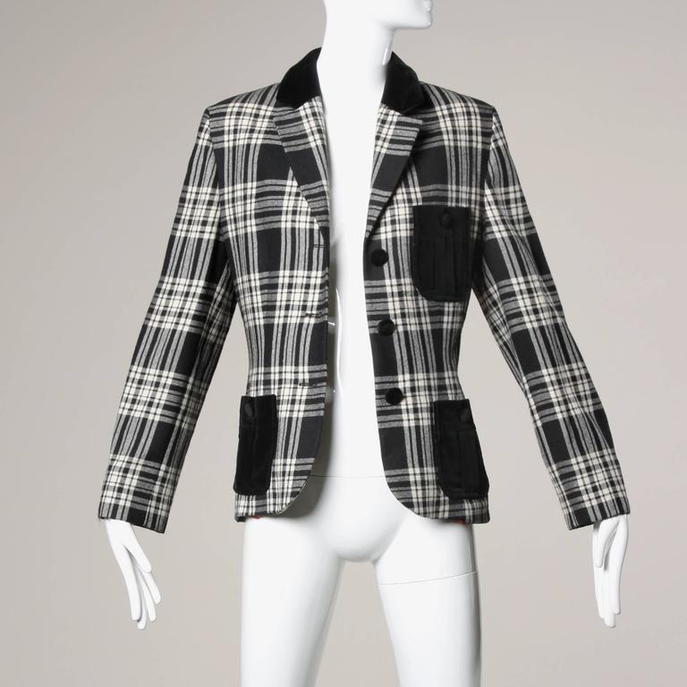 Moschino Vintage Black + White Wool Plaid Blazer Jacket For Sale 3