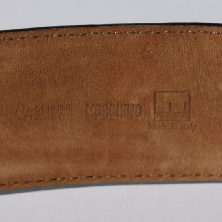 Moschino by Redwall Vintage Leather Heart Belt In Excellent Condition For Sale In Sparks, NV