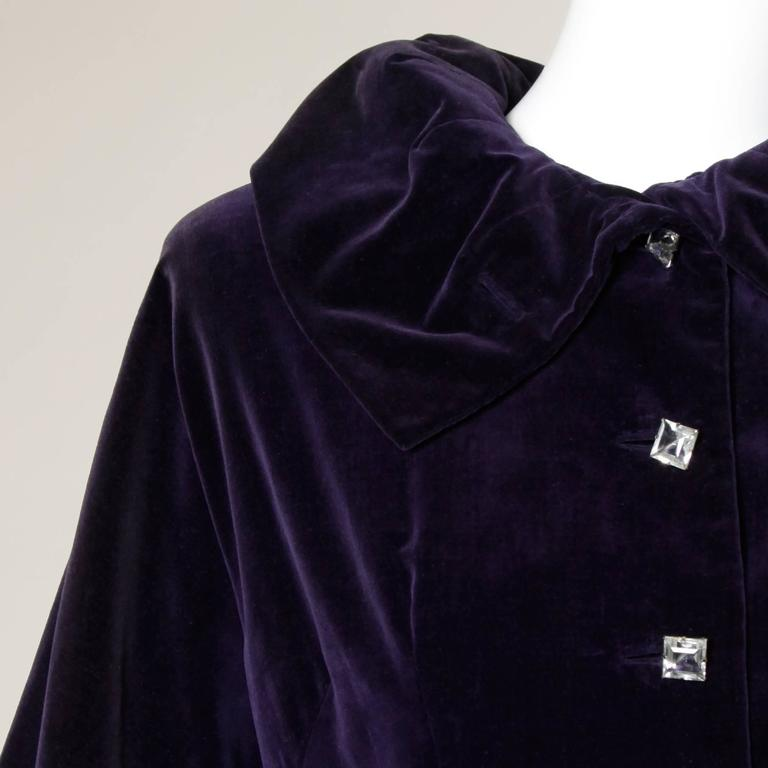 Women's Gorgeous 1940s Vintage Purple Velvet Coat with Glass Buttons + Matching Belt For Sale