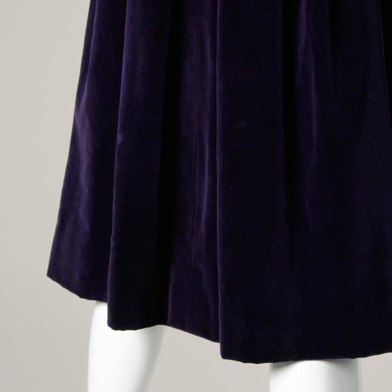 Gorgeous 1940s Vintage Purple Velvet Coat with Glass Buttons + Matching Belt For Sale 3