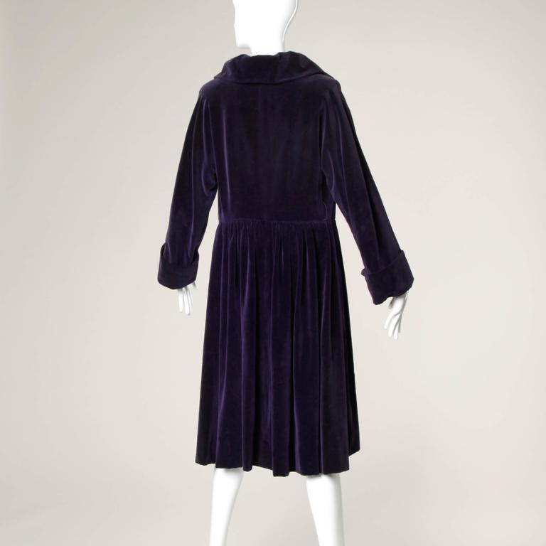 Gorgeous 1940s Vintage Purple Velvet Coat with Glass Buttons + Matching Belt For Sale 2