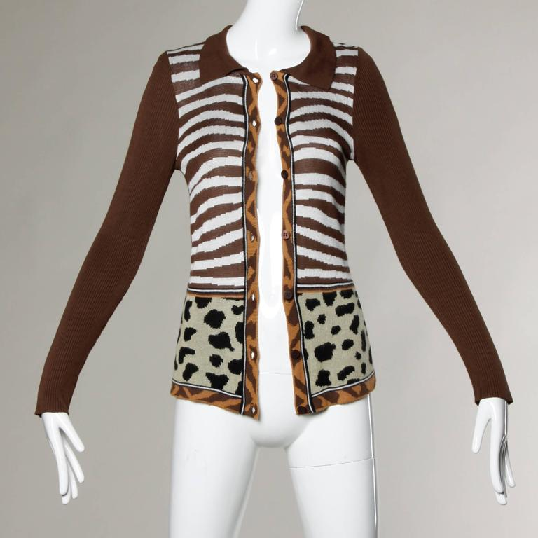 """Unlined Front Button Closure Marked Size: Small Color: Dark Brown/ White/ Beige Fabric: 100% Cotton Label: Kenzo  Measurements:  Bust: Approx. 30""""-36""""/ Fabric Contains Stretch Waist: Approx. 24""""-30"""" Shoulders: 16"""" Sleeve Length:"""