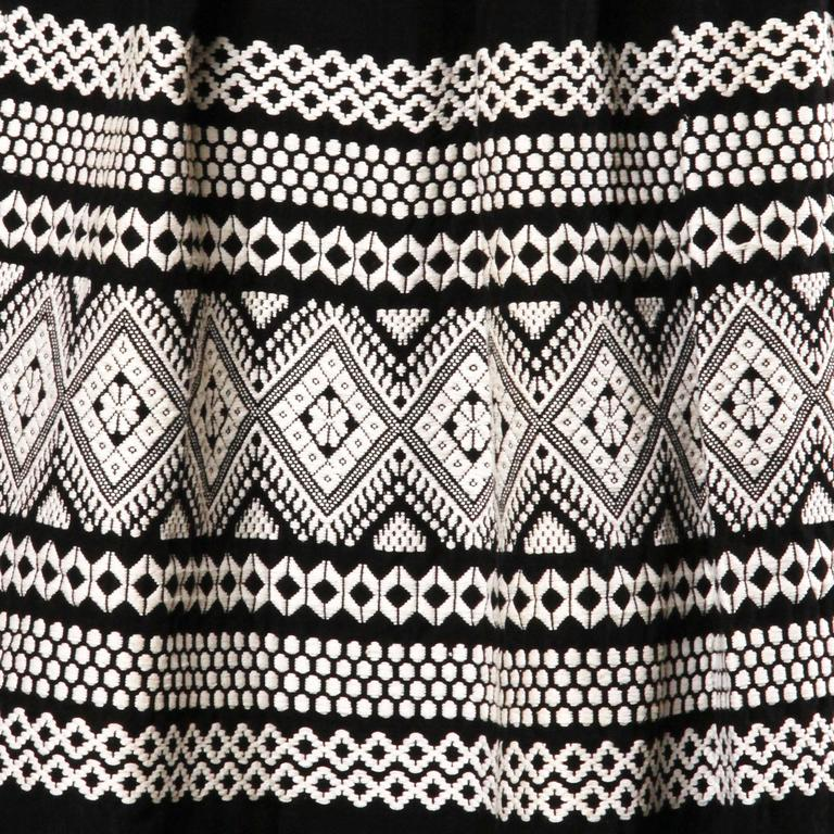 Women's 1950s Vintage Black + White Embroidered Wool Skirt with Box Pleats For Sale