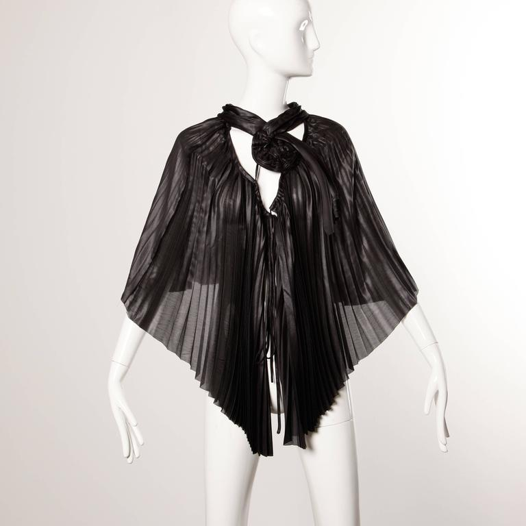 Issey Miyake Vintage Avant Garde Pleated Origami Black Cape Jacket or Tunic For Sale 2