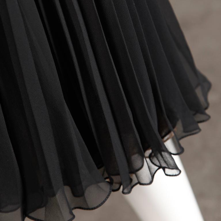 Oscar de la Renta Vintage Black Silk Beaded Dress with Pleated Skirt For Sale 1